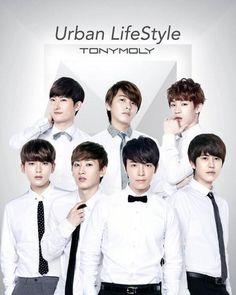 Zhou Mi, Sungmin, Henry, Ryeowook, Eunhyuk, Donghae & Kyuhyun