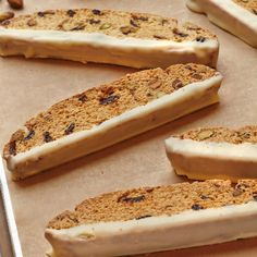 Try a gluten free twist on a classic Biscotti recipe that& so good, you& never know its gluten free. The recipe yields about 2 dozen Biscotti. Best Gluten Free Desserts, Foods With Gluten, Gluten Free Baking, Grain Foods, Gluten Free Biscotti Recipe, Gluten Free Cookies, Cena Paleo, Fodmap Recipes, Christmas Breakfast