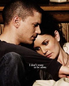 Wentworth Miller and Sarah Wayne Callies as Michael and Sara in Prison Break . - Wentworth Miller and Sarah Wayne Callies as Michael and Sara in Prison Break … I don't want to - Michael Scofield, Prison Break Quotes, Prison Break 3, Best Series, Best Tv Shows, Prison Break Zitate, Charlie Chaplin, Michael And Sara, Michael Miller