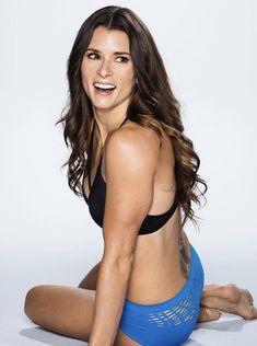 Brooke burke poses nude