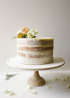 This hummingbird cake is a Southern specialty from Katie Jacobs' new book. Moist layers of cake made with cinnamon, banana, and crushed pineapple are filled with pecans and coconut, and the frosting is a rich and fluffy cream cheese icing. Nake Cake, Bolo Floral, Layer Cake Recipes, Banana Layer Cake Recipe, Summer Cake Recipes, Layer Cakes, Bolo Cake, Hummingbird Cake, Celebration Cakes