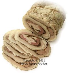 Serve this traditional Nordic spiced meat roll thinly sliced on open sandwiches. Danish Cuisine, Danish Food, Norwegian Food, Norwegian Recipes, Great Recipes, Favorite Recipes, Chipped Beef, Beef Roll, Meat Rolls