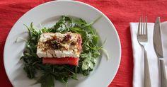 Schafskäse mit Wassermelone und Chili, eine ungewöhnliche Kombination aus Wassermelone, Schafskäse und Rucola nach einem Rezept von Maria Elia, vegetarisch und lecker. Und hier ist das Rezept http://wolkenfeeskuechenwerkstatt.blogspot.com/2011/07/schafskase-mit-wassermelone-und-chili.html