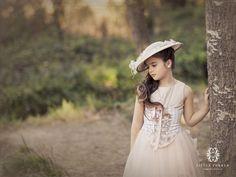 niña de comunion con pamela American Photo, Princess Photo, Pamela, Girls Dp, First Communion, Portrait Photo, Girl Photography, Cute Kids, Boy Or Girl