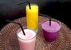 グラス分の冷凍フルーツとジュースでできるスムージー