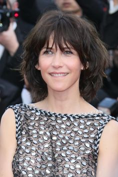 Sophie Marceau attends the opening ceremony and 'La Tete Haute' ('Standing Tall') premiere during the annual Cannes Film Festival on May 2015 in Cannes, France. Visage Plus Mince, Beautiful French Women, Sophie Marceau Photos, Ageless Beauty, One Hair, French Actress, Medium Hair Cuts, Shoulder Length Hair, Cannes Film Festival