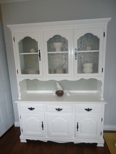 DIY Hutch Makeover | Not only was it a totally affordable way to get some new furniture in ...