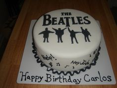 I seriously want this cake for my birthday! (except with MY name on it, not Carlos)