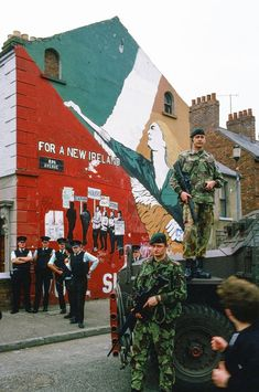 The Troubles through an Iranian lens: Kaveh Kazemi's Northern Ireland images Belfast Murals, In Medias Res, Northern Ireland Troubles, Images Of Ireland, Erin Go Bragh, Image Cover, Bagdad, Londonderry, Irish
