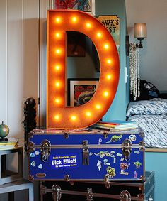 LOVE this marquee letter!