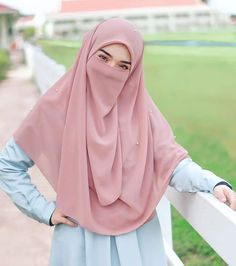 See More – Hijab Fashion 2020 Casual Hijab Outfit, Hijab Chic, Hijabi Girl, Girl Hijab, Islamic Fashion, Muslim Fashion, Muslim Girls, Muslim Women, Instant Hijab