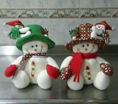 Munequeria Navidena Y Halloween Felt Christmas, Christmas Snowman, Christmas Projects, Christmas Themes, Christmas Wreaths, Christmas Decorations, Christmas Ornaments, Holiday Decor, Felt Snowman
