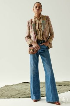 May 2020 - The complete Etro Resort 2020 fashion show now on Vogue Runway. 2020 Fashion Trends, Fashion Week, Fashion 2020, Daily Fashion, Fashion Tips, Denim Fashion, Boho Fashion, Fashion Design, Classy Fashion