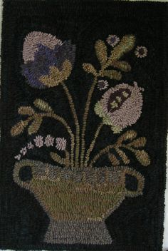 Hand Hooked Primitive Rug Early Style Flowers Hooked Rug