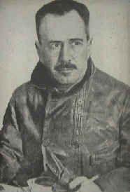 Oficial  da  Armada  e  aviador  português,  Artur  de  Sacadura  Freire  Cabral  Júnior  nasceu  a  23  de Maio de  1881  em  Celorico...