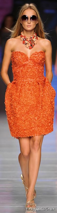 Cute Orange Strapless Dress -Cristiano Burani -Spring 2010 Ready-To-Wear Mode Orange, Runway Fashion, Fashion Models, Model Legs, Orange You Glad, Color Naranja, Orange Fashion, Orange Crush, Orange Is The New Black