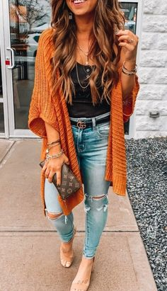 27 cute fall outfits for women check out casual fashion trendy outfits fashion inspo fall winter outfits autumn winter fashion Traje Casual, Summer Vacation Outfits, Outfit Summer, Summer Cardigan Outfit, Boho Summer Outfits, Comfy Outfit, Vacation Style, Vacation Travel, Outfit Trends