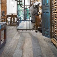 Looking for floors like this for a guesthouse. I love the wide planks. #reclaimedwood  #source