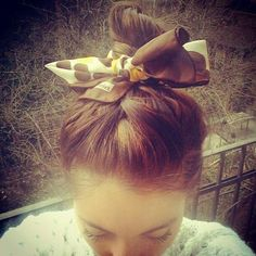 Cute and Easy Hairstyles for Summer for School 45 Cute and Easy Hair Buns with Hairband Square Face Hairstyles, Easy Bun Hairstyles, Prom Hairstyles For Short Hair, Elegant Hairstyles, Hairstyles For School, Summer Hairstyles, Wedding Hairstyles, Curled Blonde Hair, Cute Ponytails