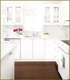 - Five Qualities of a Good Kitchen Design We Need To Know. Before we start getting things done for our new kitchen, here are five qualities of a good kitchen design that are worthy of our attention: Amazing Small Kitchen Remodel Ideas. White Kitchen Appliances, White Kitchen Cabinets, Kitchen White, Glass Cabinets, White Counters, White Cupboards, Upper Cabinets, Dark Cabinets, Marble Countertops