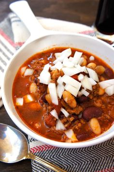Great chili recipe for a weekday dinner, weekend or a party!