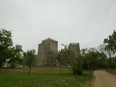 """Castelo de Guimaraes"", Guimaraes Portugal (Luglio)"