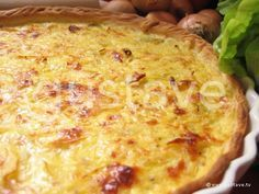 Quiche alsacienne à l'oignon, crémeuse et délicieuse. A servir avec une salade verte, tout simplement !