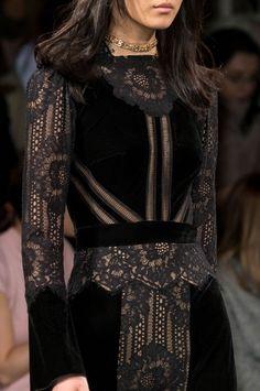 Fall Fashion Tadashi Shoji at New York Fashion Week Fall 2017 - Details Runway Photos Fashion 2017, New York Fashion, Couture Fashion, Runway Fashion, High Fashion, Fashion Dresses, Womens Fashion, Fashion Trends, Ladies Fashion