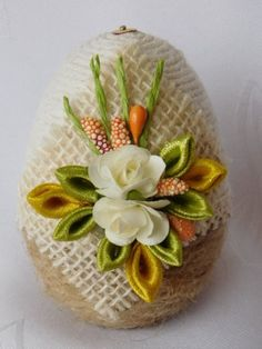 Egg Crafts, Easter Crafts, Diy And Crafts, Arts And Crafts, Handmade Christmas Tree, Etsy Christmas, Egg Shell Art, Christmas Balls Decorations, Diy Ostern