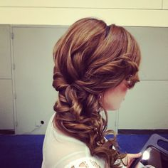Curl side pony - without a true pony! The curls melt into the hair giving a fantastic effect. Perfect to pair with a headband/ hair accessories on the other side