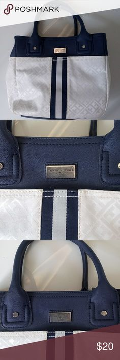 Tommy Hilfiger Purse Almost new Tommy Hilfiger Tote Tommy Hilfiger Bags Totes