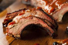 The Best Ways to Bake Pork Spare Ribs in the Oven Spare Ribs In Oven, Baked Spare Ribs, Oven Baked Ribs, Baked Pork, Bbq Ribs In Oven, Best Bbq Recipes, Rib Recipes, Cooker Recipes, Diners