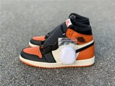 d8d4f9ec3c052c Air Jordan 1 Retro High Og