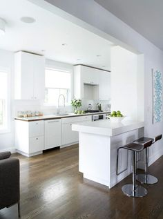 love white kitchens & this is so fresh!