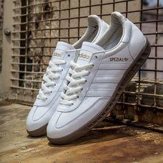 wholesale dealer b8e70 64e6b Adidas Spezial Hand-Burg White Shoes Outfit, Sneaker Magazine, Adidas Men,  Vans