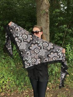 Nieuwe najaarscollectie..! 🍂🍂  Verkrijgbaar bij onze verkoopadressen en in de webshop!  www.be-witched.nl  Wil je ook onze sjaals verkopen in je winkel? Neem dan contact met ons op: 📞 06-52824804  Shoplink:  http://www.be-witched.nl/jersey-sjaals-nieuwe-collectie-omslagdoek-3209  Fijn weekend..😘