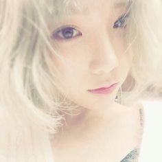 SNSD TaeYeon greets fans with her flawless SelCa picture Sooyoung, Yoona, Snsd, Taeyeon Rain, Girl's Generation, Girls' Generation Taeyeon, Girl Day, My Girl, Korean Girl