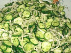 S tímto salátem zhubnete bez velké námahy: Chutná výborně, je bez cukru a je vhodný pro každého, kdo má problémy s trávením! Ketogenic Recipes, Keto Recipes, Cooking Recipes, Good Food, Yummy Food, Russian Recipes, Kefir, Cucumber, Zucchini