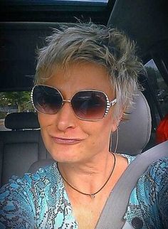 Short Spiky Hair for Older Women styles women for curly hair for round faces for school for thin hair male mens step by step # short hair styles for round faces older Stylish Short Haircuts, Short Spiky Hairstyles, Short Pixie Haircuts, Cool Hairstyles, Hairstyles 2018, Bob Haircuts, Layered Haircuts, Medium Hairstyles, Messy Pixie Cuts