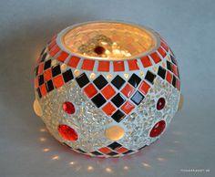 Windlicht Kugelschale rot schwarz silber 10 cm Turkish Lamps, Moroccan Lamp, Lord Murugan Wallpapers, Mosaic Bottles, Candle Holder Decor, Kugel, Mosaic Art, Glass Art, Candles
