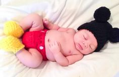 Baby Boy Mickey Mouse Crochet Outfit Newborn por ChildishDreams