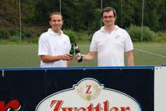 Die Geschäftsführer DI(FH) Günther Lugauer und Martin Hinterlehner auf der Grillfeier 2012 Chef Jackets, Celebration, Crickets, Amazing