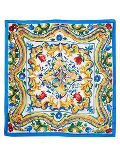 Dolce & Gabbana Majolica-print silk-twill scarf Print Wallpaper, Pattern Wallpaper, Textures Patterns, Print Patterns, Italian Pattern, Italian Tiles, Tuile, Quilting, Scarf Design