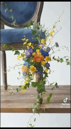 Creative Flower Arrangements, Ikebana Flower Arrangement, Church Flower Arrangements, Flower Centerpieces, Floral Arrangements, Diy Flowers, Paper Flowers, Wedding Flowers, Diy Party Decorations