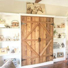 Wow you guys did it again! You all posted some seriously amazing photos for our hashtag #MyNeutralNestWednesday . This one belongs to @swansondesignandbuild . Isn't it just gorgeous?! I'm loving the barn doors and the beautiful wood beam on the ceiling! Make sure to go check out her feed! Also be sure to check the other hosts for some more neutral inspiration! @keeleym_ourcozycatcottage @beccalevie @figandtwigs @kimberleeshipley @cloverlycottage @heatherjonescase @noni_bo  I can't wait to…