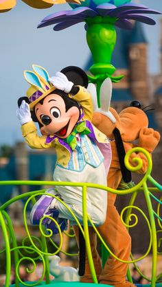 To avoid crowds, there are good times to visit Tokyo Disneyland & DisneySea, andreallybad times to visit. Some days have low wait times, while others