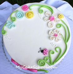 In this free cake tutorial, learn this simple fondant quilling technique for beautiful cakes! My Cake School online cake classes and recipes! Cake Decorating With Fondant, Cake Decorating Techniques, Cake Decorating Tutorials, Cookie Decorating, Decorating Ideas, Cake Icing, Fondant Cakes, Cupcake Cakes, Fondant Bow