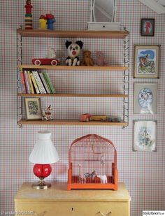 Mini zoo for the kids (or perhaps more for the pleasure of a mom's eye ;) of an old bird cage Baby Bedroom, Kids Bedroom, Childrens Bedroom Decor, Vintage Nursery, Kids Decor, Home Decor, Dream Decor, Kid Spaces, Room Colors