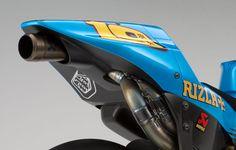 2011 Rizla Suzuki GSV-R MotoGP. Piping that makes your balls tickle