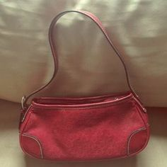 I just discovered this while shopping on Poshmark: Cute red handbag. Check it out!  Size: OS